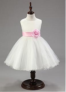 Vestido Pajecitas en Satín y Falda de Tul con Flores hechas a mano